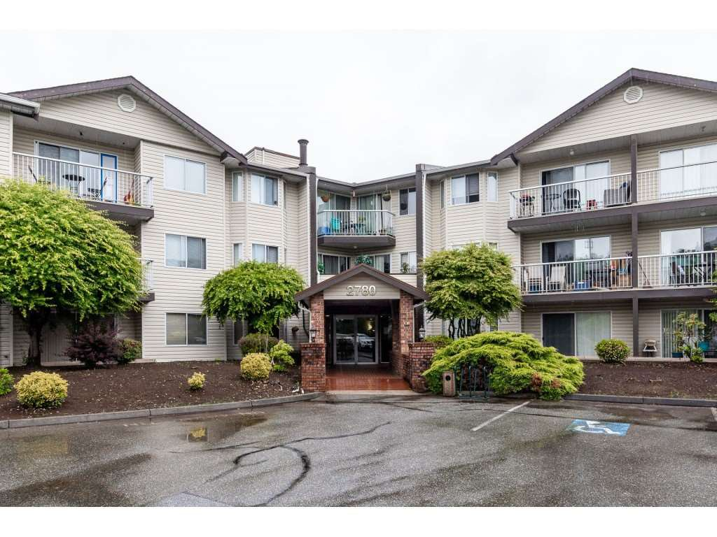 """Main Photo: 214 2780 WARE Street in Abbotsford: Central Abbotsford Condo for sale in """"CHELSEA HOUSE"""" : MLS®# R2459911"""
