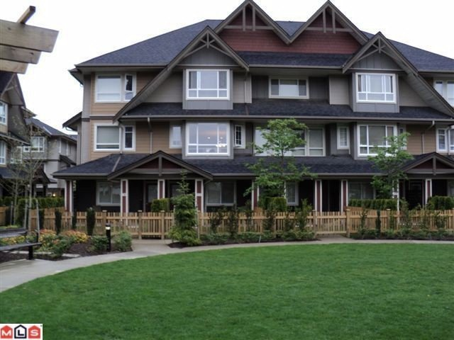 Main Photo: 77 7088 191st STREET in Cloverdale: Condo