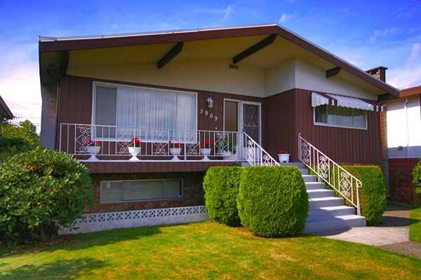 Main Photo: 3909 BOUNDARY Road in Vancouver: Renfrew Heights House for sale (Vancouver East)  : MLS®# V670359
