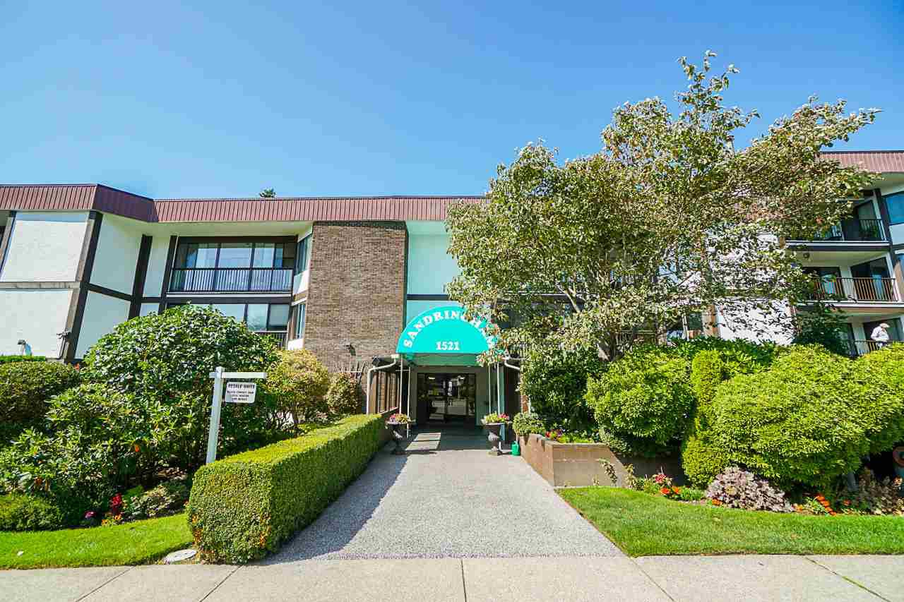 "Photo 1: Photos: 404 1521 BLACKWOOD Street: White Rock Condo for sale in ""The Sandringham"" (South Surrey White Rock)  : MLS®# R2401070"