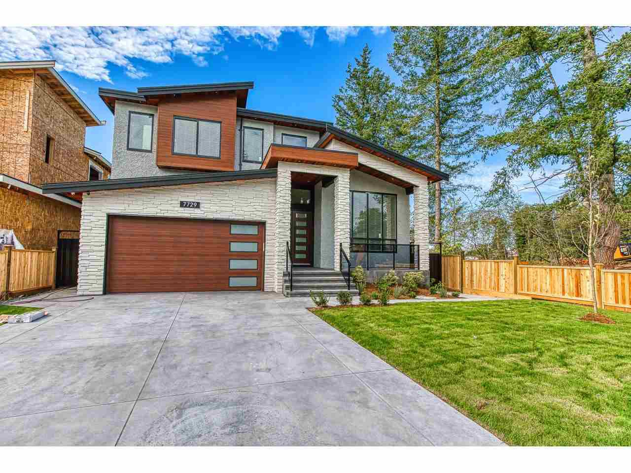 "Main Photo: 7729 156 Street in Surrey: Fleetwood Tynehead House for sale in ""Fleetwood"" : MLS®# R2407801"
