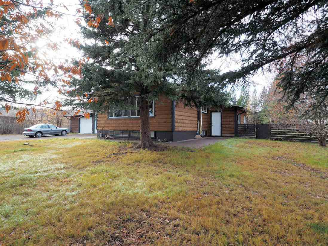 Photo 2: Photos: 6496 GREY Crescent in 100 Mile House: Horse Lake House for sale (100 Mile House (Zone 10))  : MLS®# R2418657