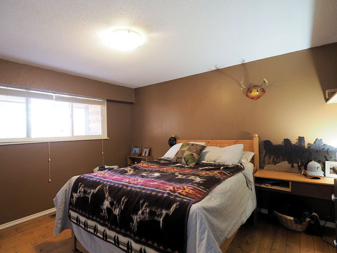 Photo 13: Photos: 6496 GREY Crescent in 100 Mile House: Horse Lake House for sale (100 Mile House (Zone 10))  : MLS®# R2418657