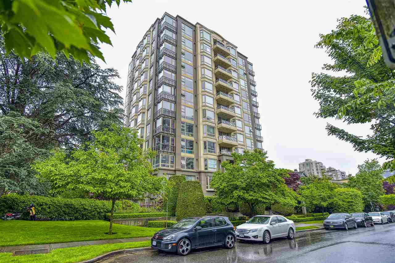 """Main Photo: PH3 1316 W 11TH Avenue in Vancouver: Fairview VW Condo for sale in """"THE COMPTON"""" (Vancouver West)  : MLS®# R2461369"""