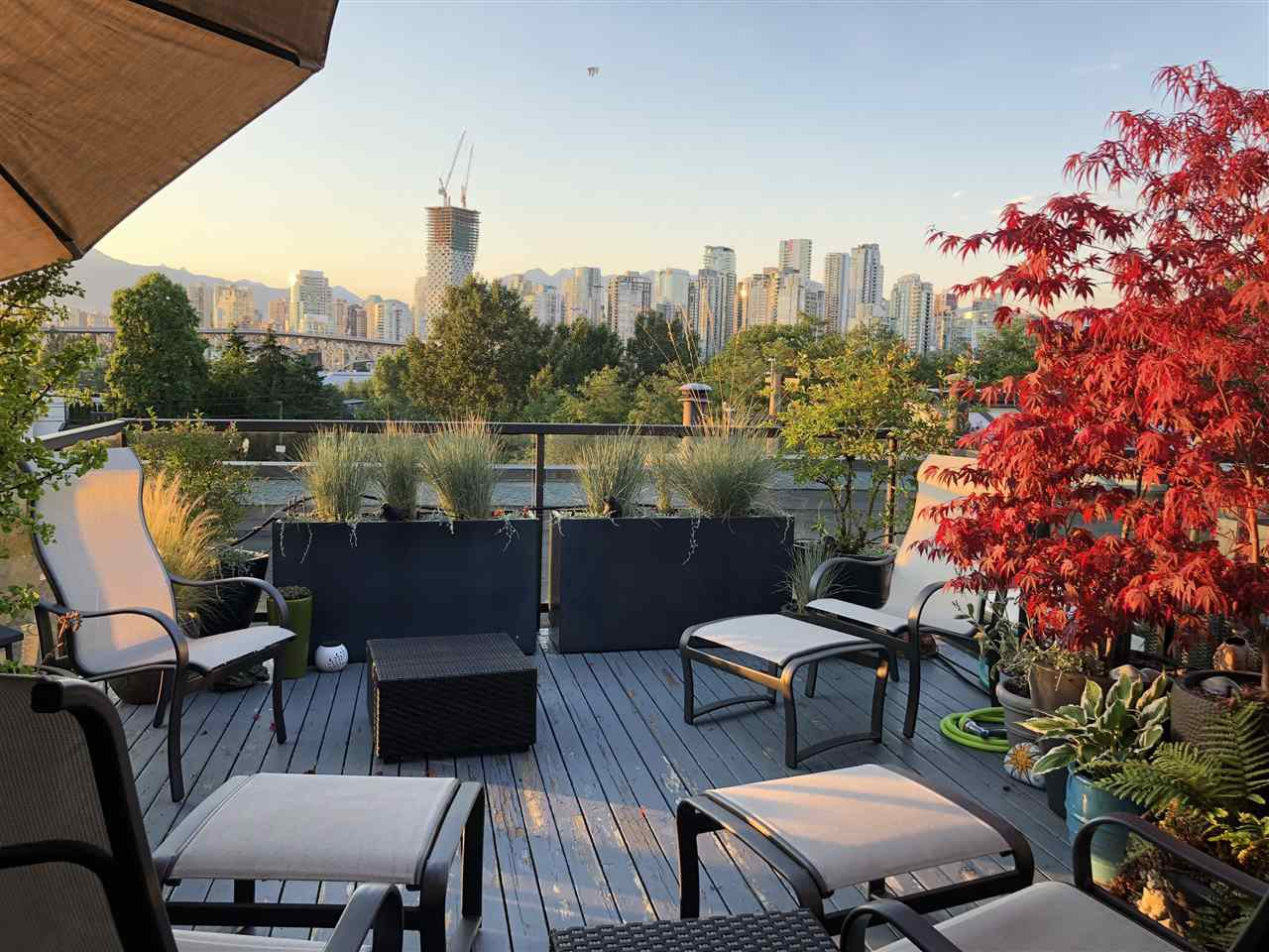 """Main Photo: 301 1220 W 6TH Avenue in Vancouver: Fairview VW Condo for sale in """"ALDER BAY PLACE"""" (Vancouver West)  : MLS®# R2481077"""