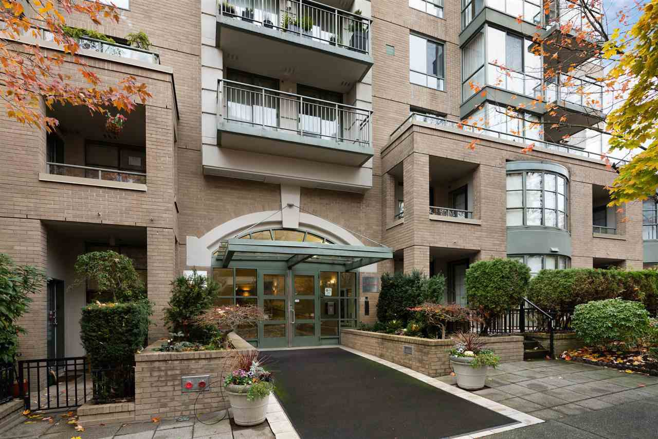 """Main Photo: 302 2288 PINE Street in Vancouver: Fairview VW Condo for sale in """"THE FAIRVIEW"""" (Vancouver West)  : MLS®# R2519056"""