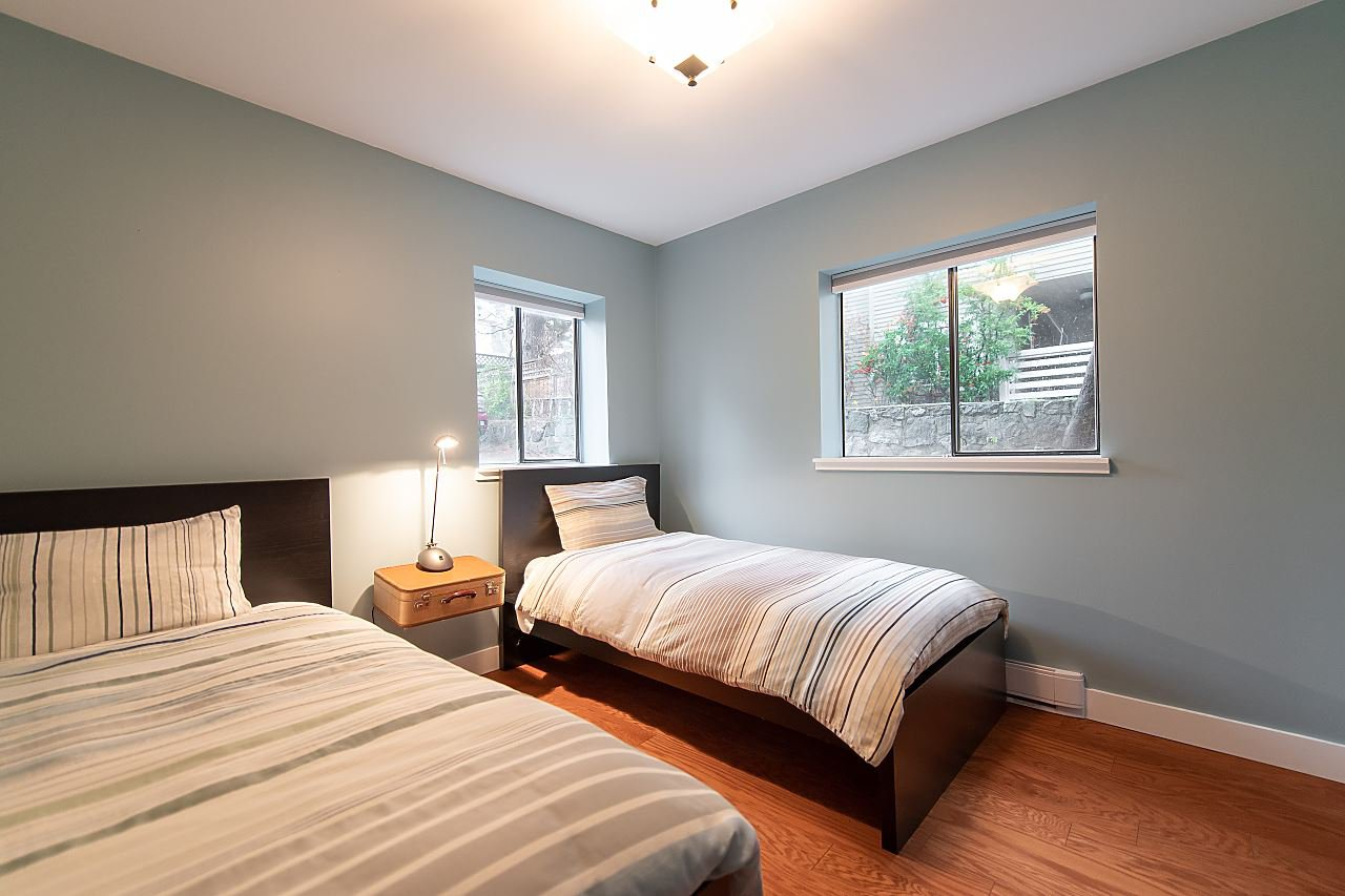 Photo 15: Photos: 2423 W 6TH Avenue in Vancouver: Kitsilano Townhouse for sale (Vancouver West)  : MLS®# R2432040