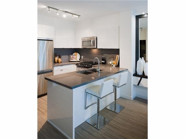 Main Photo: 429 15168 33RD AV in Surrey: Morgan Creek Home for sale ()  : MLS®# F1441205