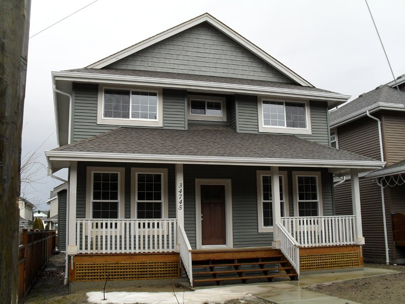 "Main Photo: 34745 3RD AVE in ABBOTSFORD: Poplar House for rent in ""HUNTINGDON VILLAGE"" (Abbotsford)"