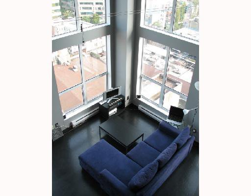 "Main Photo: 1001 933 SEYMOUR Street in Vancouver: Downtown VW Condo for sale in ""THE SPOT"" (Vancouver West)  : MLS®# V665196"