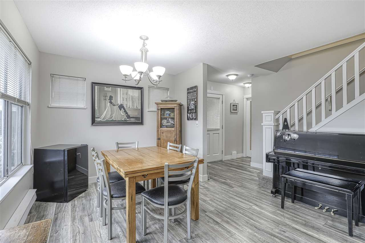 "Photo 2: Photos: 104 12099 237 Street in Maple Ridge: East Central Townhouse for sale in ""GABRIOLA"" : MLS®# R2436710"