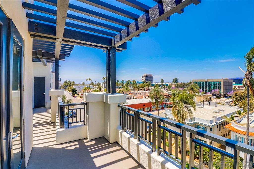Photo 6: Photos: SAN DIEGO Condo for sale : 5 bedrooms : 3275 5th Ave #501