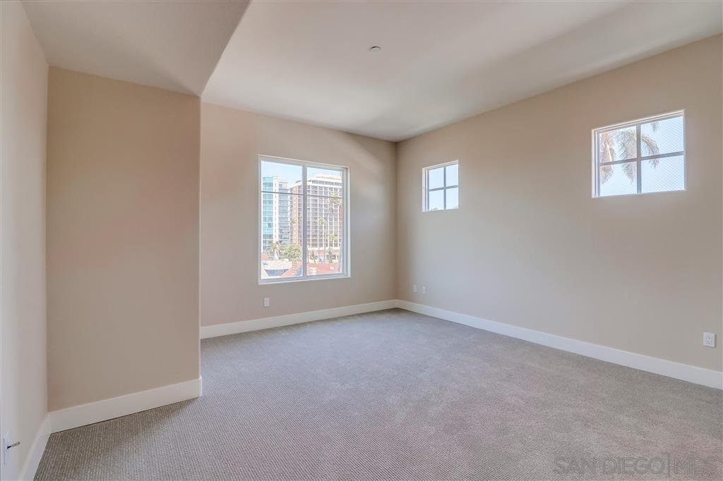 Photo 13: Photos: SAN DIEGO Condo for sale : 5 bedrooms : 3275 5th Ave #501