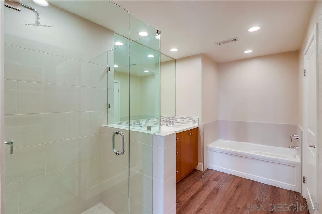 Photo 16: Photos: SAN DIEGO Condo for sale : 5 bedrooms : 3275 5th Ave #501