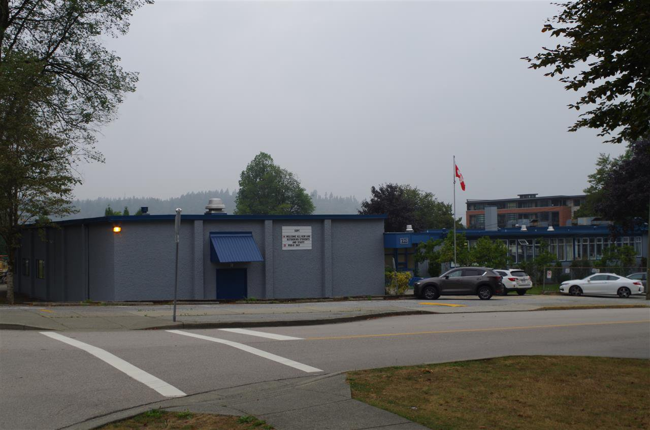 Photo 2: Photos: 2806 ST GEORGE Street in Port Moody: Port Moody Centre Land for sale : MLS®# R2501858