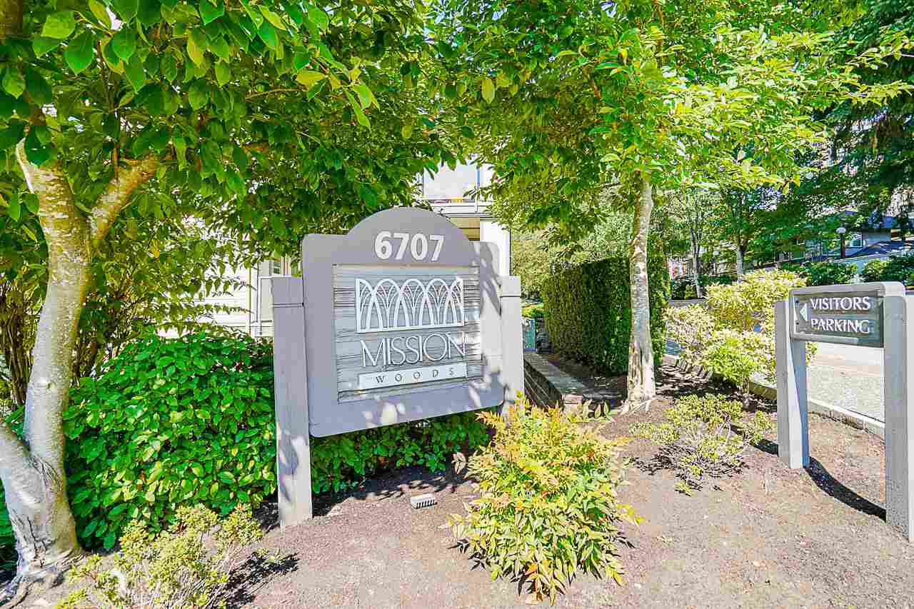 """Main Photo: 421 6707 SOUTHPOINT Drive in Burnaby: South Slope Condo for sale in """"MISSION WOODS"""" (Burnaby South)  : MLS®# R2514266"""