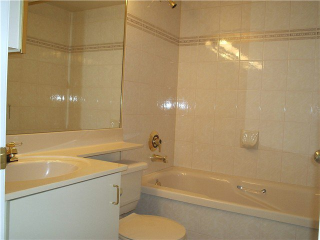 """Photo 10: Photos: # 1206 220 11TH ST in New Westminster: Uptown NW Condo for sale in """"QUEEN'S COVE"""" : MLS®# V871950"""