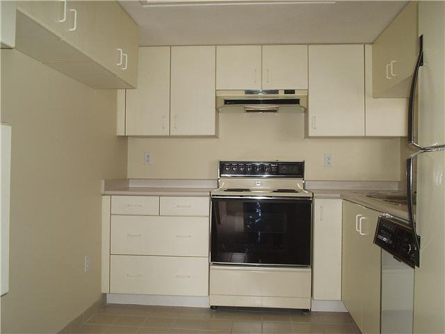 """Photo 6: Photos: # 1206 220 11TH ST in New Westminster: Uptown NW Condo for sale in """"QUEEN'S COVE"""" : MLS®# V871950"""