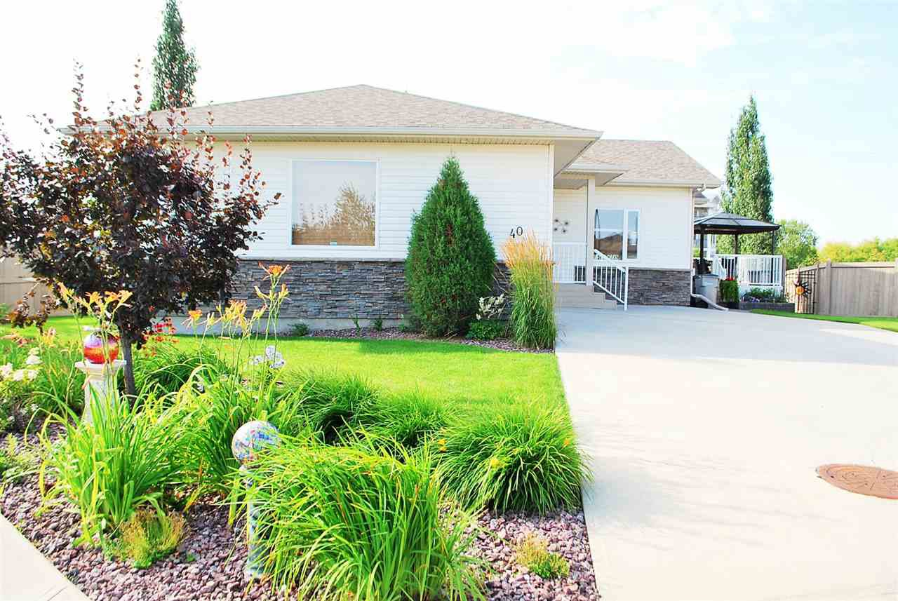 Main Photo: 40 WILLOW WOOD Lane: Stony Plain House for sale : MLS®# E4169765