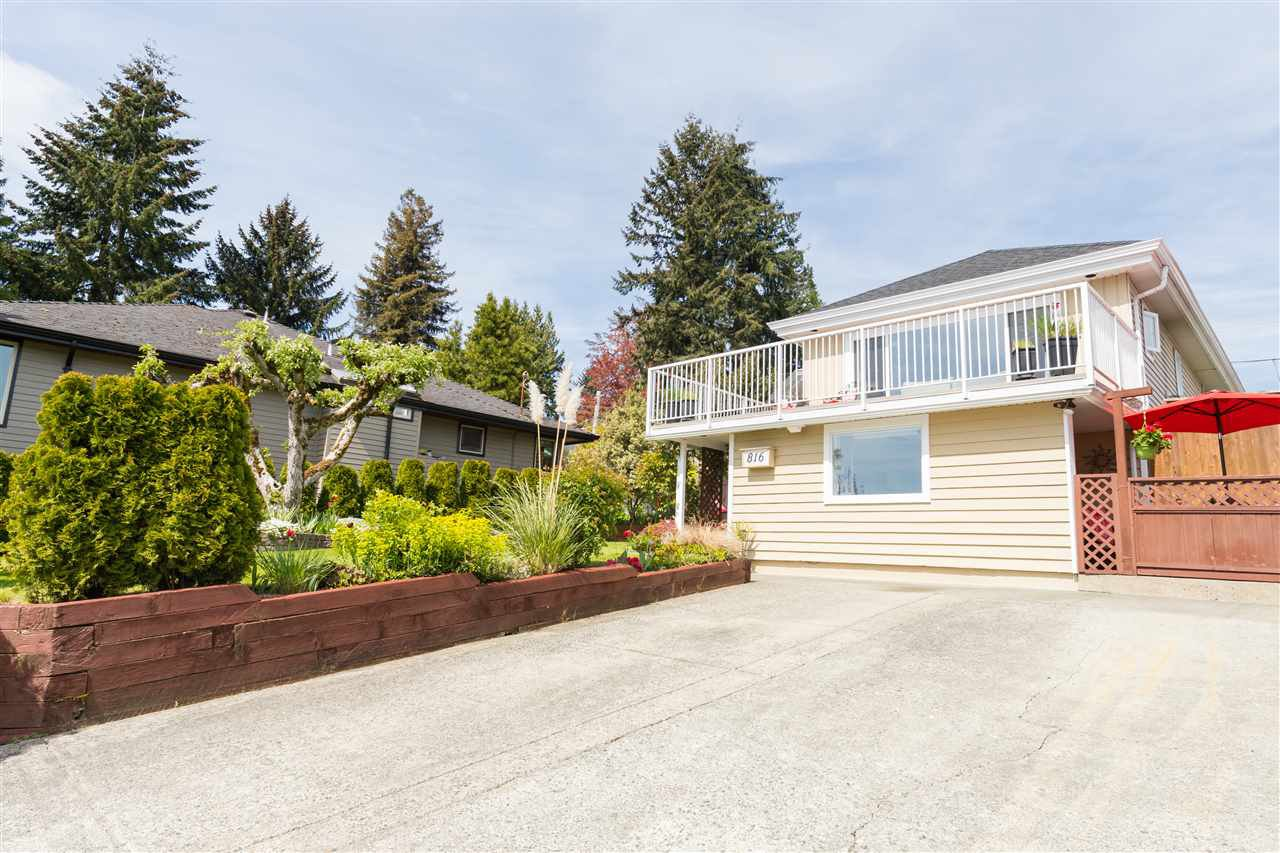 Main Photo: 816 CALVERHALL Street in North Vancouver: Calverhall House for sale : MLS®# R2403789