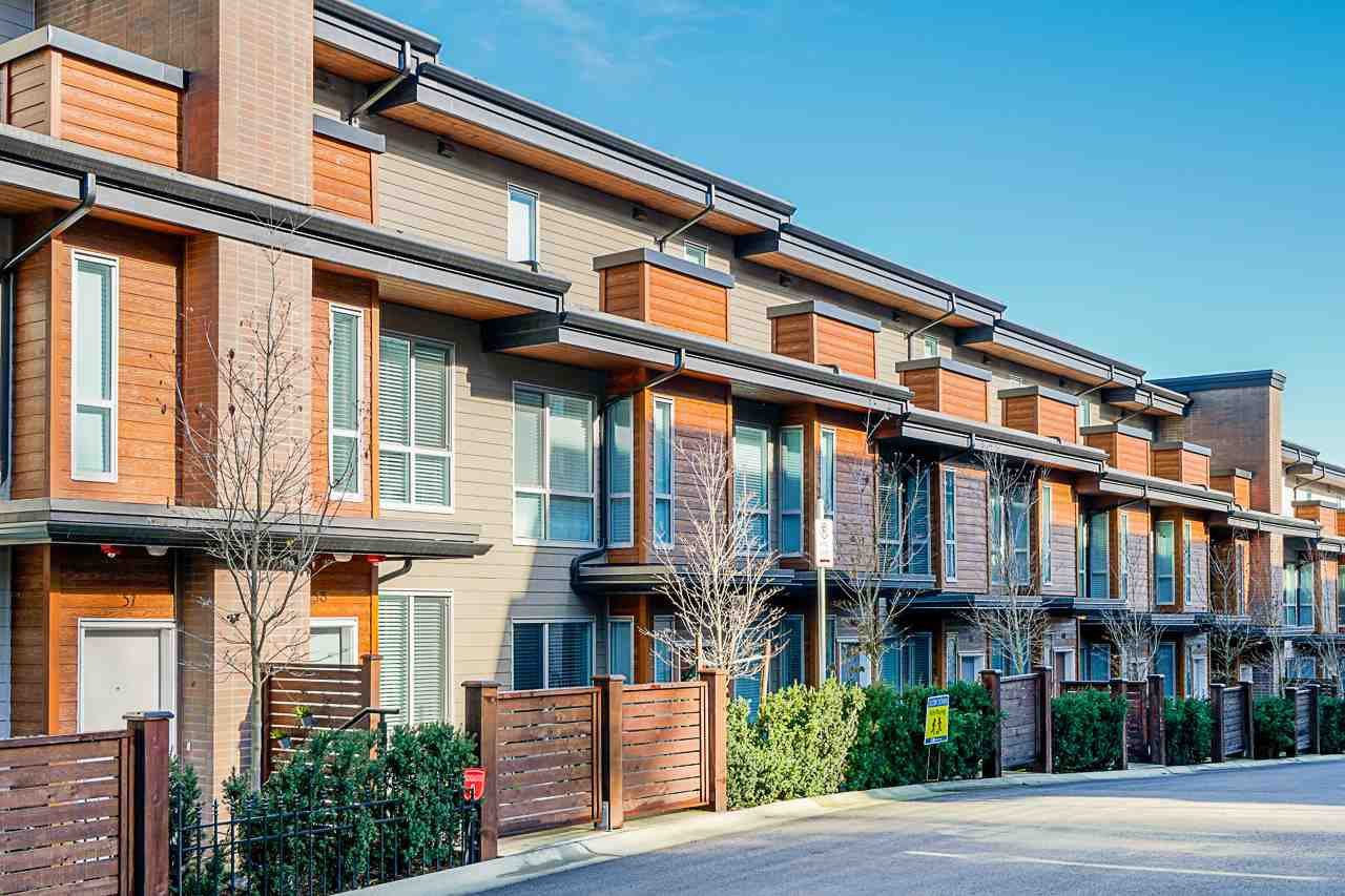 """Main Photo: 58 15775 MOUNTAIN VIEW Drive in Surrey: Grandview Surrey Townhouse for sale in """"ADERA's GRANDVIEW"""" (South Surrey White Rock)  : MLS®# R2446063"""