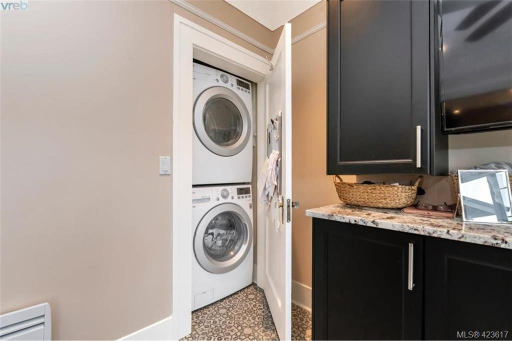 Photo 42: Photos: 1245 Oscar Street in VICTORIA: Vi Fairfield West Single Family Detached for sale (Victoria)  : MLS®# 423617
