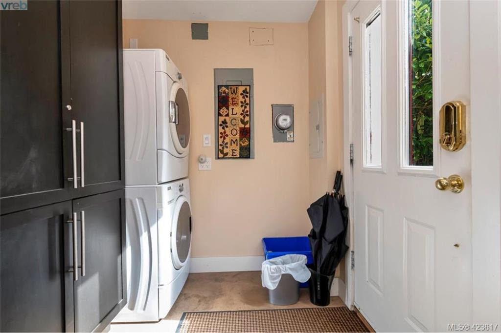 Photo 25: Photos: 1245 Oscar Street in VICTORIA: Vi Fairfield West Single Family Detached for sale (Victoria)  : MLS®# 423617