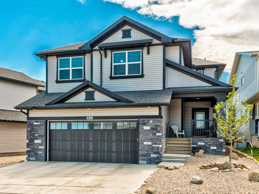 Main Photo: 220 HILLCREST Drive SW: Airdrie Detached for sale : MLS®# A1018720