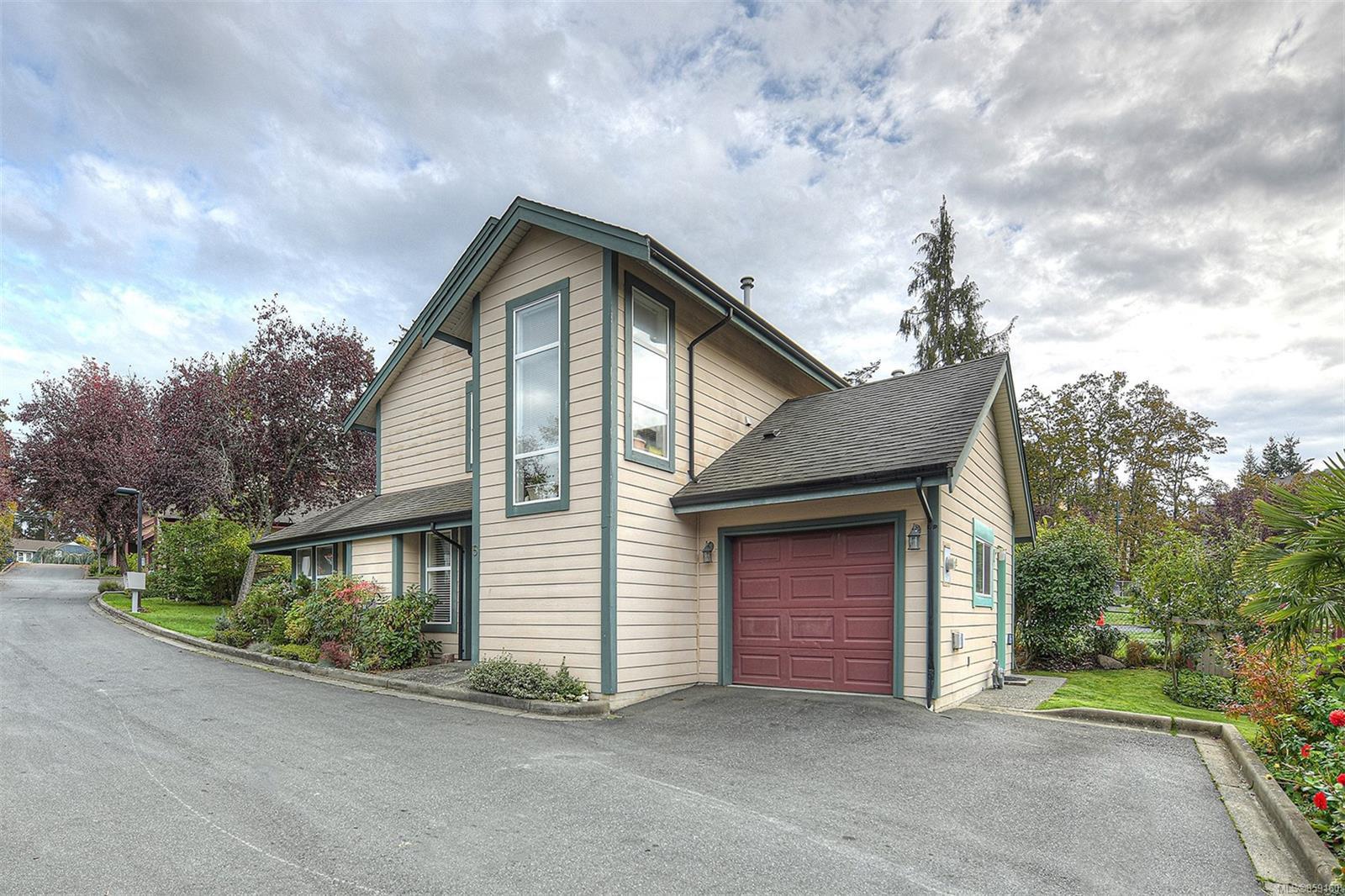 Main Photo: 5 4570 West Saanich Rd in : SW Royal Oak House for sale (Saanich West)  : MLS®# 859160