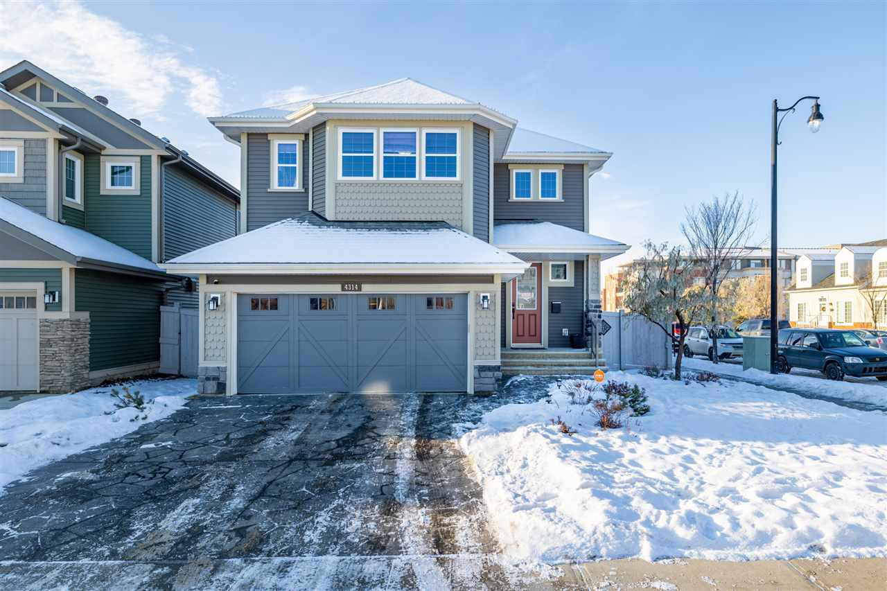 Main Photo: 4314 VETERANS Way in Edmonton: Zone 27 House for sale : MLS®# E4223356