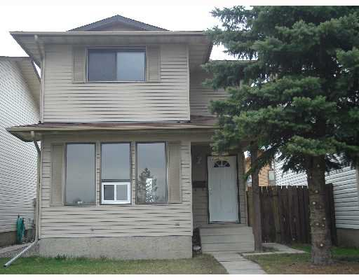 Main Photo:  in CALGARY: Temple Residential Detached Single Family for sale (Calgary)  : MLS®# C3262624