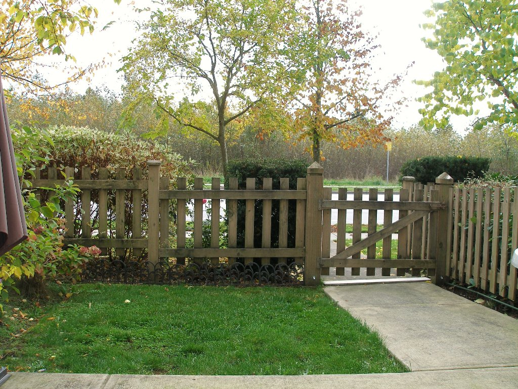 """Photo 14: Photos: 1 - 15065 58th Avenue in Surrey: Sullivan Station Townhouse for sale in """"Sprinhill"""" : MLS®# F1026512"""