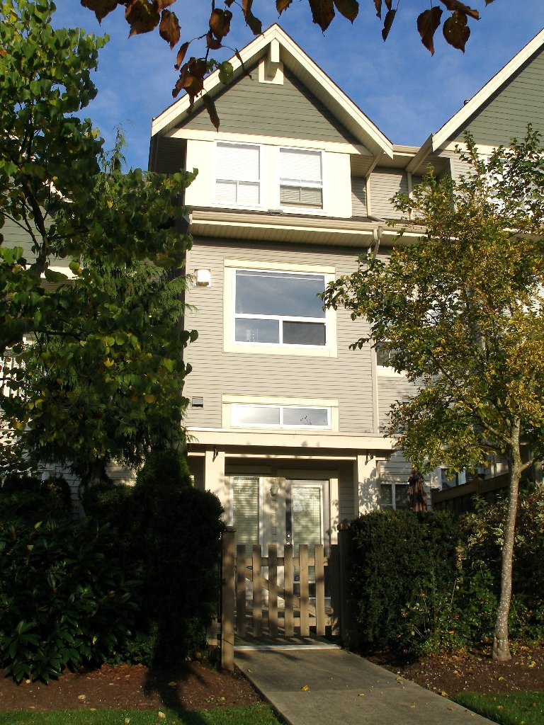 "Photo 15: Photos: 1 - 15065 58th Avenue in Surrey: Sullivan Station Townhouse for sale in ""Sprinhill"" : MLS®# F1026512"