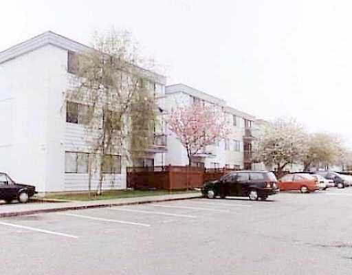 "Main Photo: 7180 LINDSAY Road in Richmond: Granville Condo for sale in ""SUSSEX SQUARE"" : MLS®# V593287"