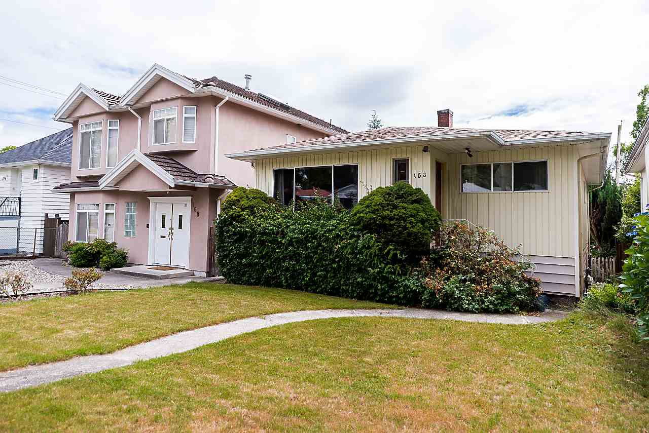 Photo 2: Photos: 158 E 44TH Avenue in Vancouver: Main House for sale (Vancouver East)  : MLS®# R2389574
