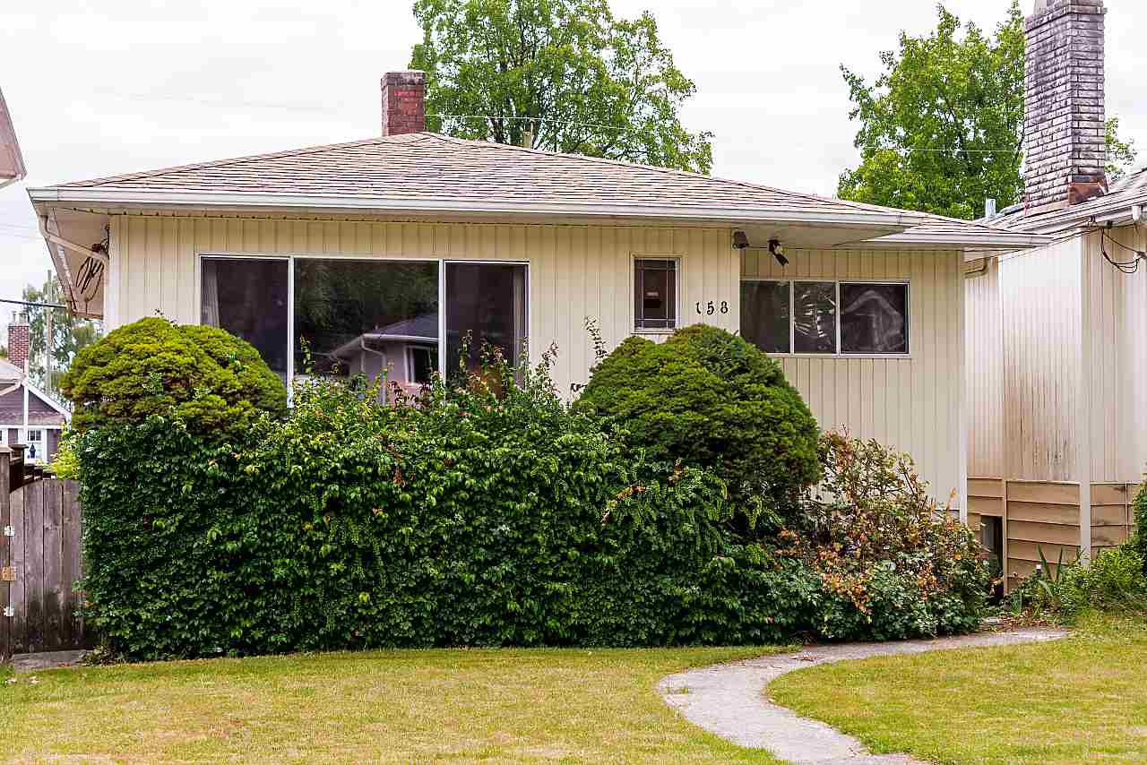 Main Photo: 158 E 44TH Avenue in Vancouver: Main House for sale (Vancouver East)  : MLS®# R2389574