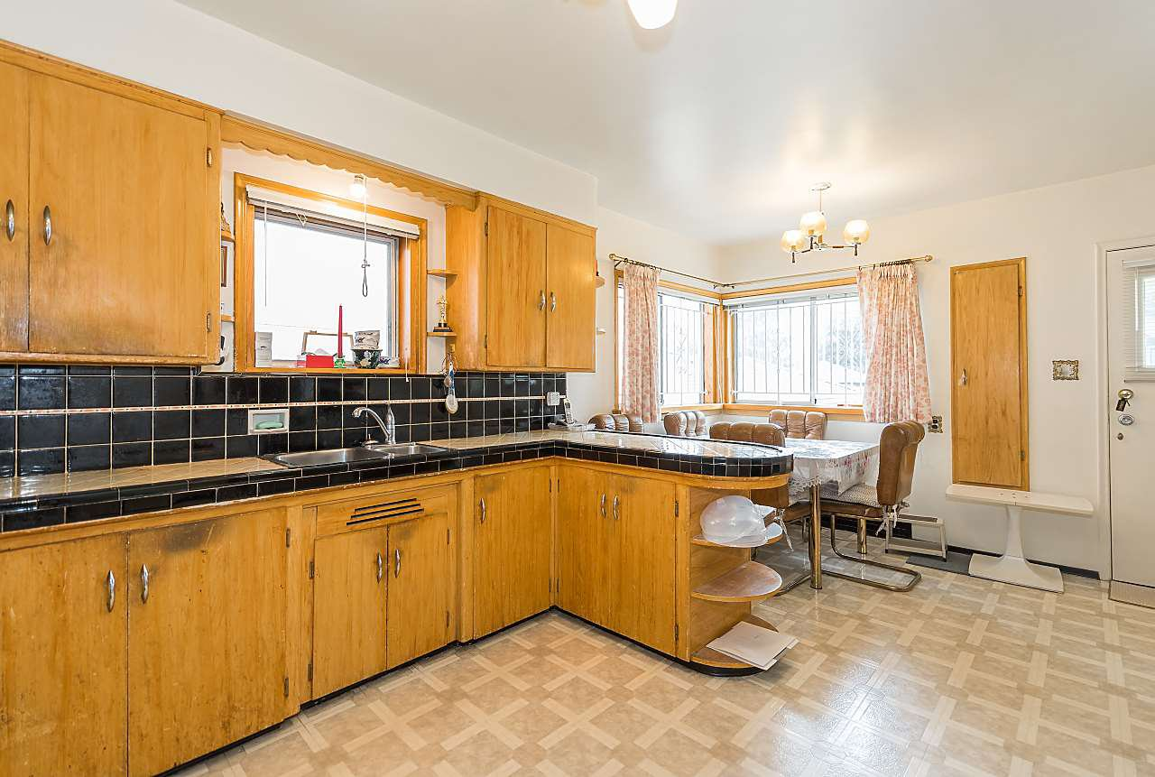 Photo 5: Photos: 158 E 44TH Avenue in Vancouver: Main House for sale (Vancouver East)  : MLS®# R2389574