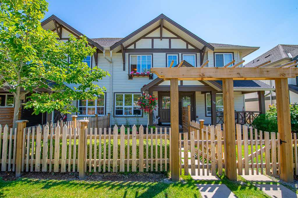 """Main Photo: 57 4401 BLAUSON Boulevard in Abbotsford: Abbotsford East Townhouse for sale in """"Sage"""" : MLS®# R2454541"""