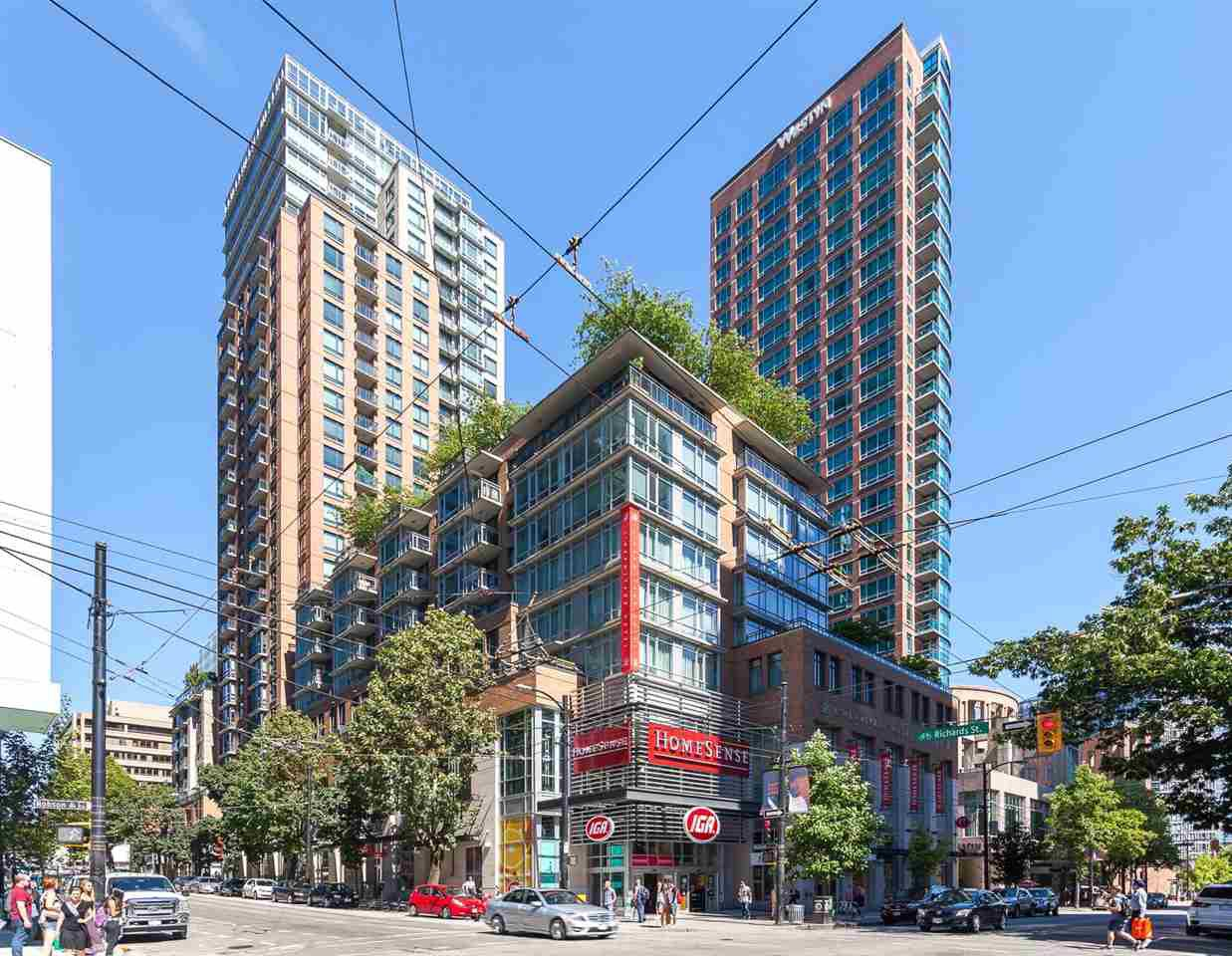 "Main Photo: 905 788 RICHARDS Street in Vancouver: Downtown VW Condo for sale in ""L'Hermitage"" (Vancouver West)  : MLS®# R2458988"