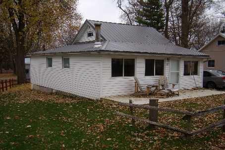 Main Photo: 9 Ridge Avenue in Lagoon City: House (Bungalow) for sale (X17: ANTEN MILLS)  : MLS®# X1732890