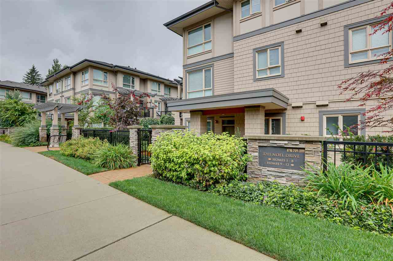 """Main Photo: 8 3211 NOEL Drive in Burnaby: Sullivan Heights Townhouse for sale in """"CAMERON"""" (Burnaby North)  : MLS®# R2403864"""