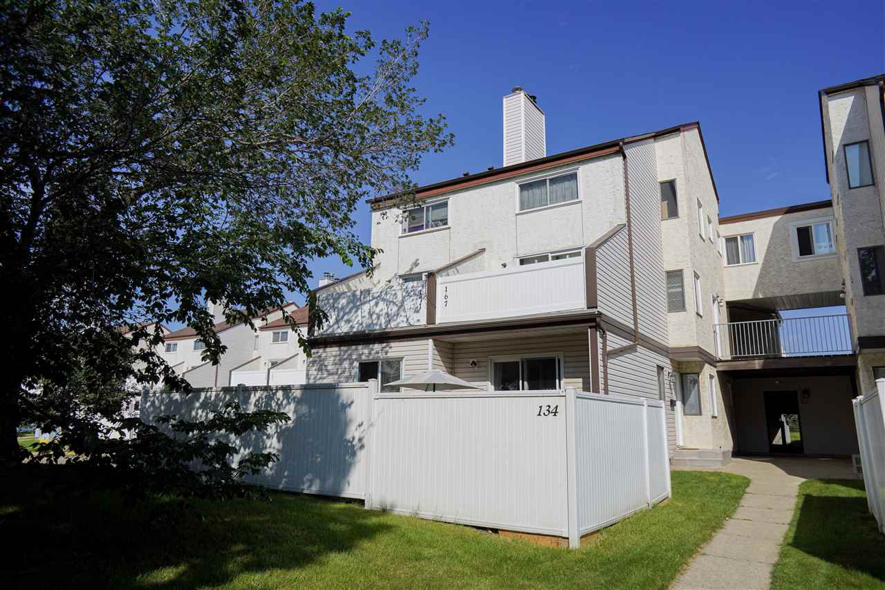Main Photo: 134 Lancaster Terrace NW in Edmonton: Zone 27 Townhouse for sale : MLS®# E4208613