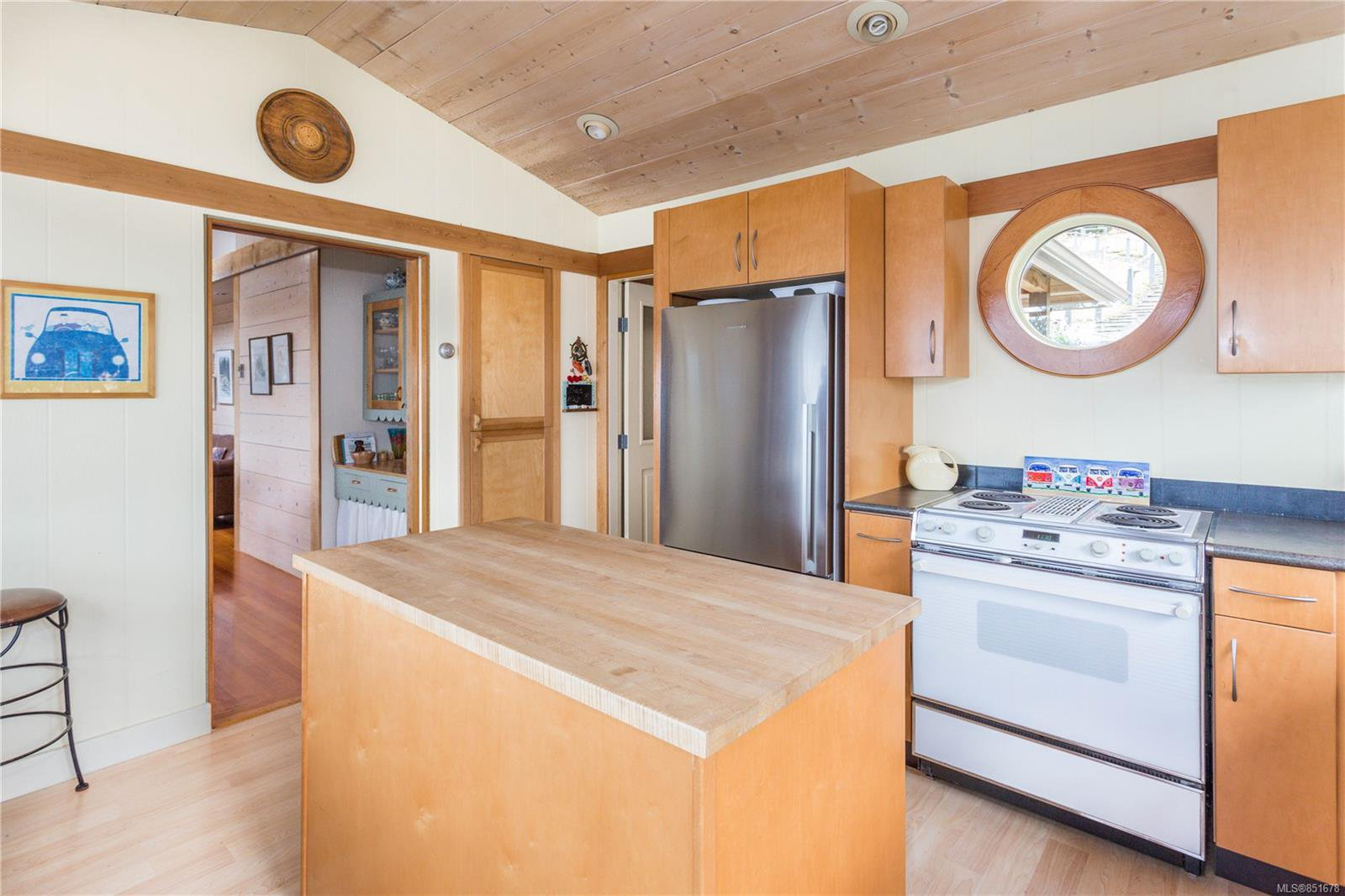 Photo 8: Photos: 262 Forbes Dr in : Isl Thetis Island House for sale (Islands)  : MLS®# 851678