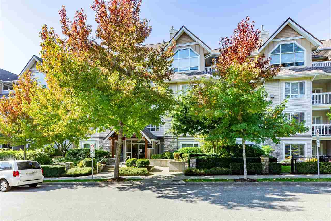 "Main Photo: 407 1685 152A Street in Surrey: King George Corridor Condo for sale in ""Suncliff Place"" (South Surrey White Rock)  : MLS®# R2506686"