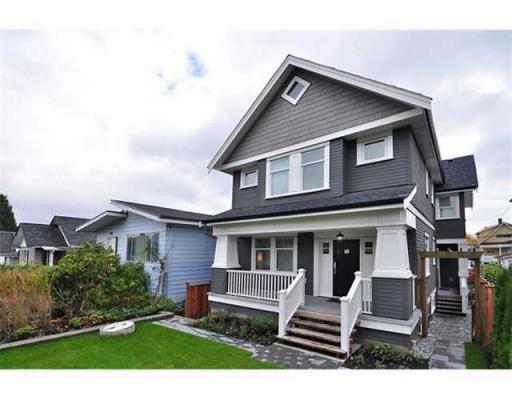 Main Photo: 1370 E 13TH AV in Vancouver: Condo for sale : MLS®# V856912