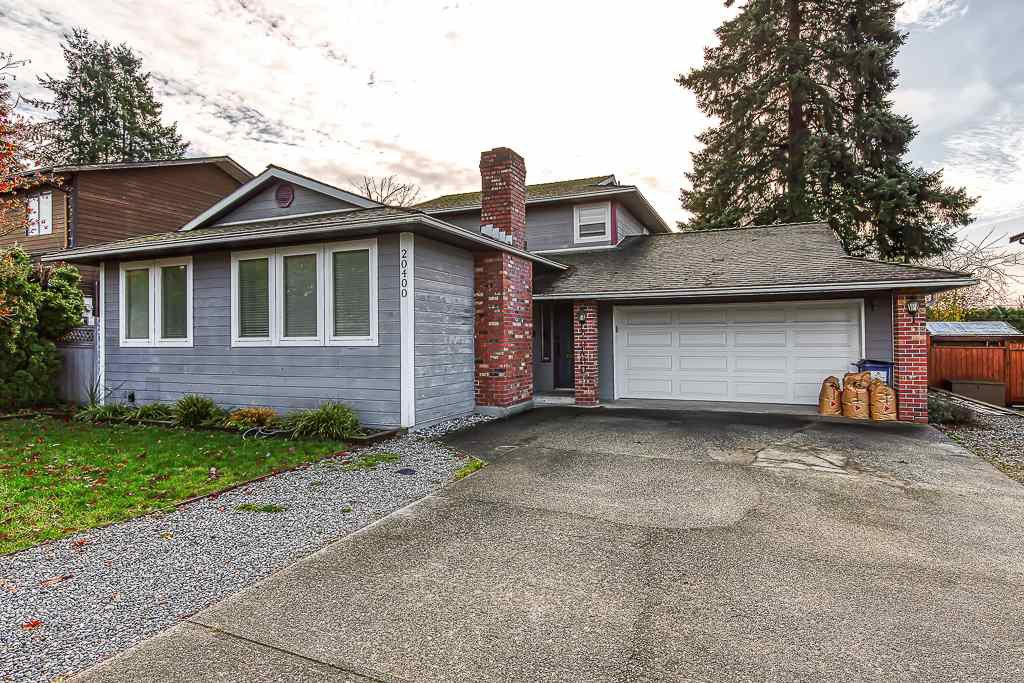 Main Photo: 20400 THORNE Avenue in Maple Ridge: Southwest Maple Ridge House for sale : MLS®# R2419754