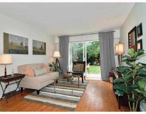 Main Photo: 108 36 E 14TH AVENUE in : Mount Pleasant VE Condo for sale : MLS®# V795181