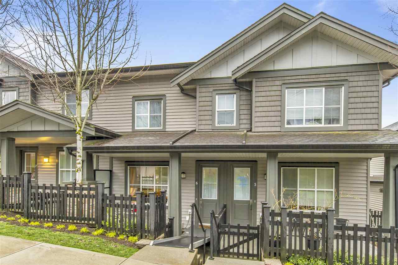 "Main Photo: 6 11176 GILKER HILL Road in Maple Ridge: Cottonwood MR Townhouse for sale in ""BLUE TREE"" : MLS®# R2455420"