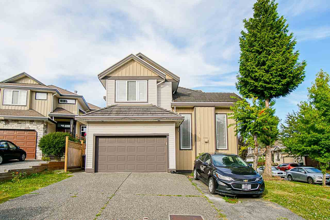 Main Photo: 14651 80A Avenue in Surrey: Bear Creek Green Timbers House for sale : MLS®# R2481408
