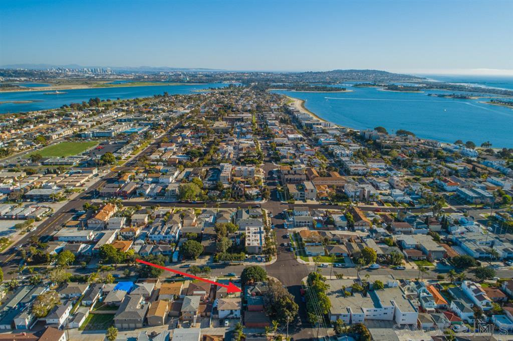 Main Photo: PACIFIC BEACH Property for sale: 1504 Reed Ave in San Diego